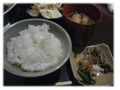 日田米のご飯と味噌汁
