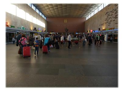 サンクトペテルブルグ駅到着