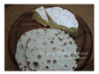 チーズと固いパン
