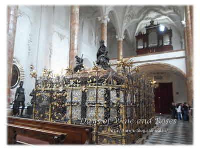 マクシミリアン1世の墓