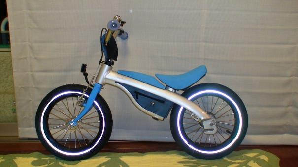 自転車です。しかもキッズです ...