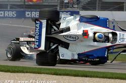 ウィリアムズマシンが横転!