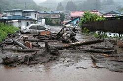 岡谷で大規模土石流