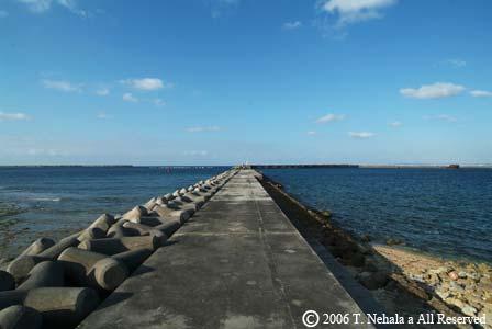 安謝の防波堤
