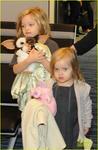 angelina-jolie-brad-pitt-kids-leaving-tokyo-05.jpg