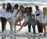 Cast-doing-a-photoshoot-at-the-beach-90210-8095185-550-469.jpg