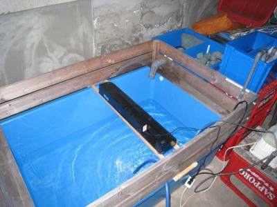 プラ舟ジャンボ車庫で越冬