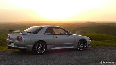 朝陽を浴びるR32