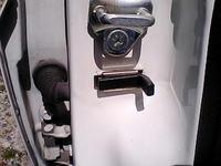 ロゴのドアのスイッチ1