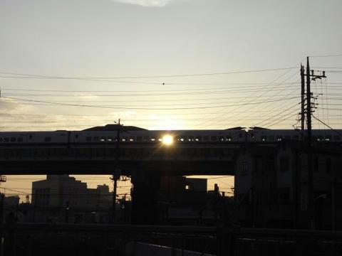 新幹線を貫いて