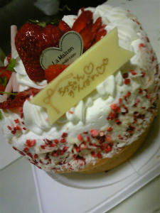 美味い以外の何物でもないケーキ。