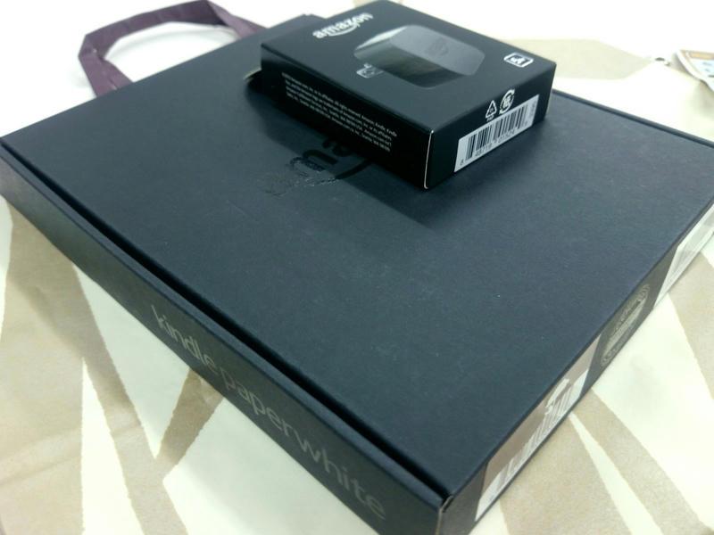Kindle Paperwhite 2013年モデルを開封