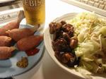 鶏レバーと温野菜と骨付きウインナーとビール