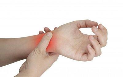 Nguyên nhân dẫn đến viêm khớp cổ tay