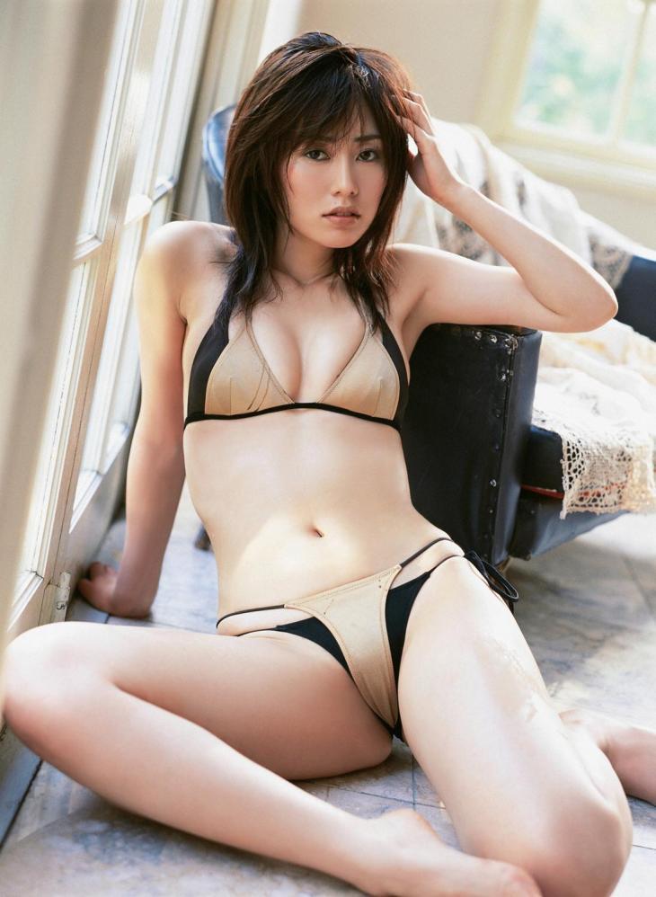 谷桃子さんのビキニ