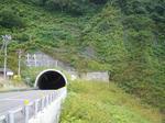 雷電岬のトンネル