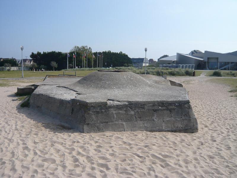 ノルマンディー戦跡 とティーガ...