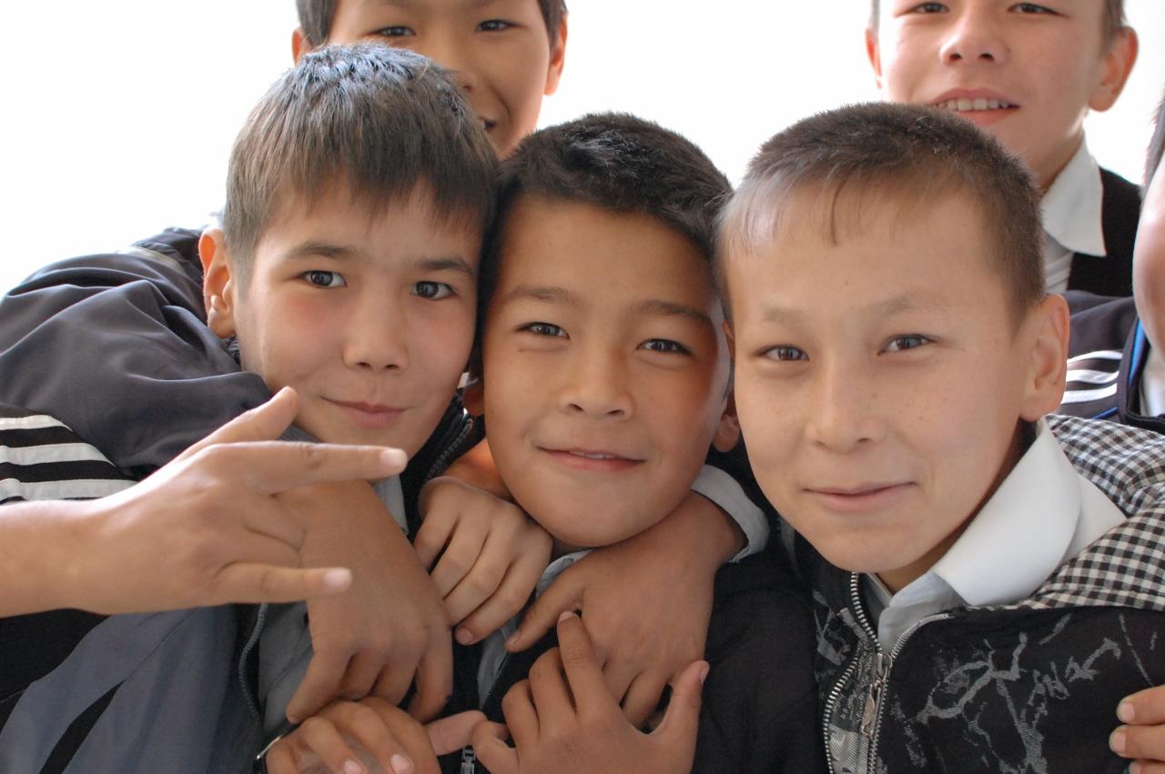 ヌクスで小学校を訪問した|大陸...