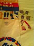物販ではパンフ、タオル、Tシャツの3点を購入 アキバではストラップなんかを買いました