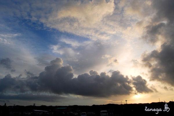 西之表港の朝景