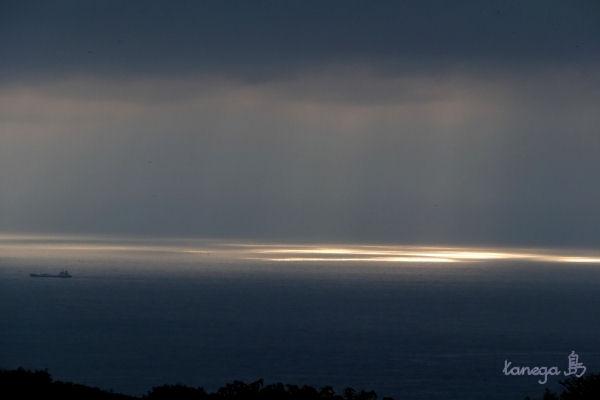 牧川から見る空と海