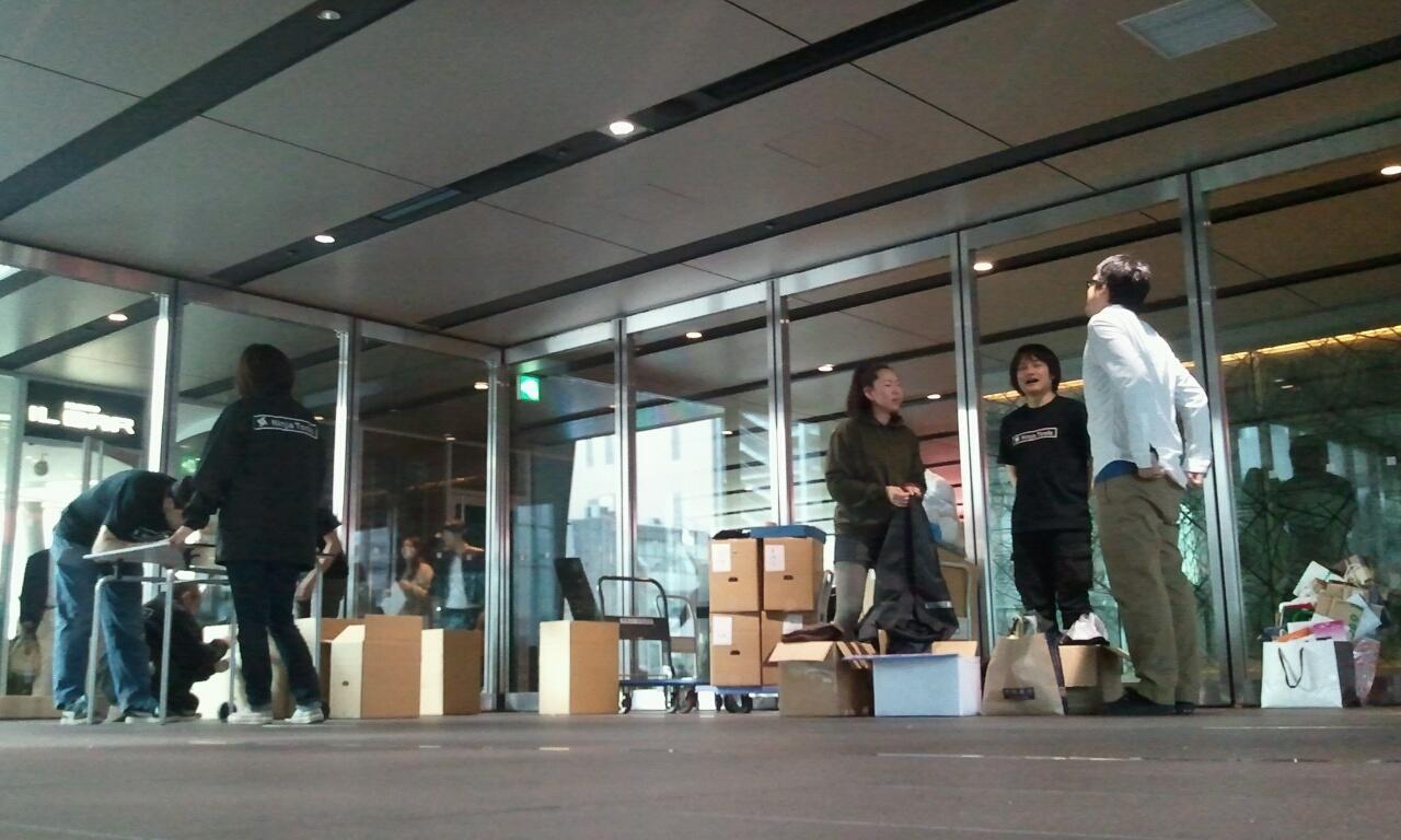 9日、10日漫画寄付を受け取る特別会場(アキバ・スクエア)