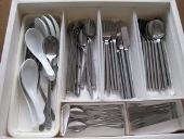 整理、収納、大掃除のやり方/食器棚 掃除前