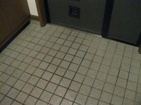 大掃除/玄関タイル ワックスがけ後