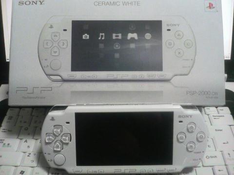 購入した PSP-2000 の写真