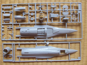ハセガワF-16E
