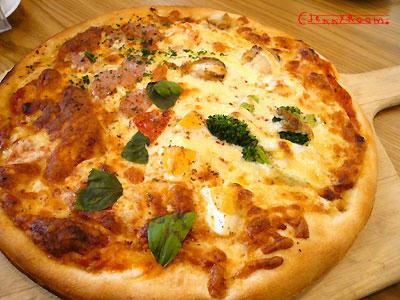 4種の味わい贅沢ピザ