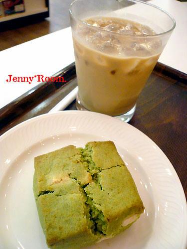 「モリバコーヒー」アイスカフェオレ&スコーン抹茶