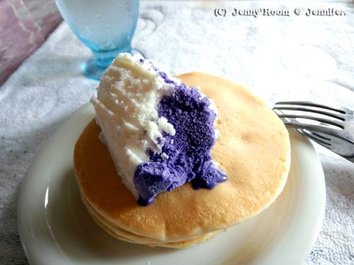 ウベマカプノアイス乗せパンケーキ