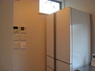 冷蔵庫とパネル
