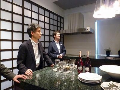 キッチンハウスさん・・・テーブルコーディネートされてるワインに注目!