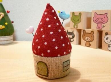 赤い屋根の小さなおうち・・・ あこがれます