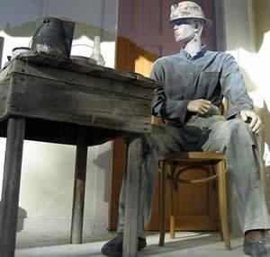 ジェローム アリゾナ 鉱山夫マネキン
