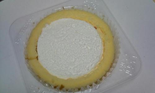 プレミアムチーズロールケーキ