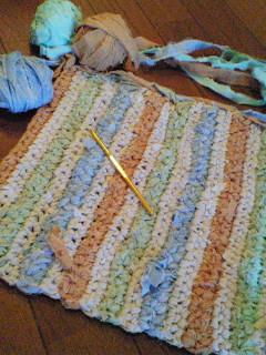 裂き編み2つ目~。