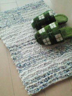 裂き編み3つ目~。