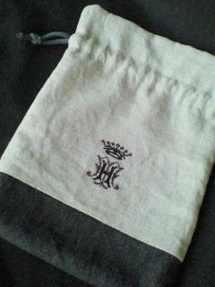 モノグラムMHの巾着。