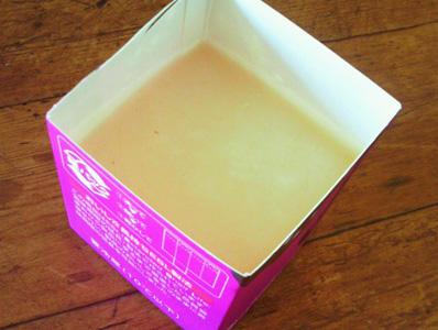 サラダ油石鹸、型入れ。