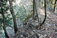 古御嶽城北側の崖