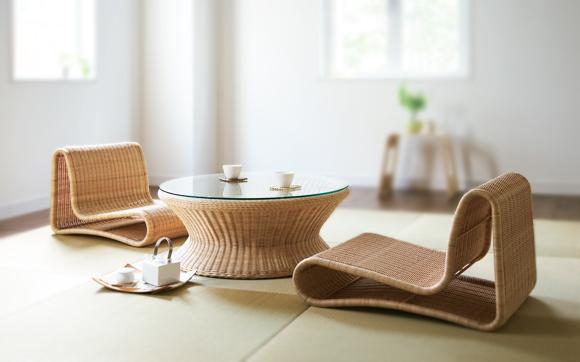Wacca miniowaccam。日本人の座スタイルが丁度いい。ラタンのウィッカー編みが非常に美しい、ローチェアです。ローテーブルを囲んでスローライフを満喫してください! Wacca tableとセットでどうぞ。和室でも、洋間でも、雰囲気に合わせてお使いいただけます!