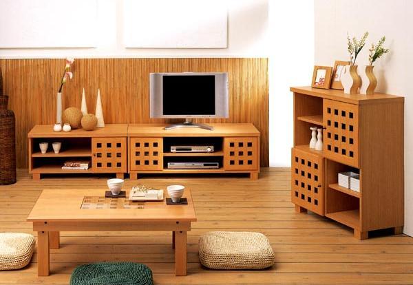モダンなインテリアにも格子のデザインが軽やかに調和!心落ち着くなごみの空間を演出しましょう。床座にも椅子座にも、生活スタイルに合わせたセレクトが可能です。格子の天然木が和風を華やかに演出します。部屋の雰囲気や季節、気分に合わせて部屋の雰囲気が変えられます。