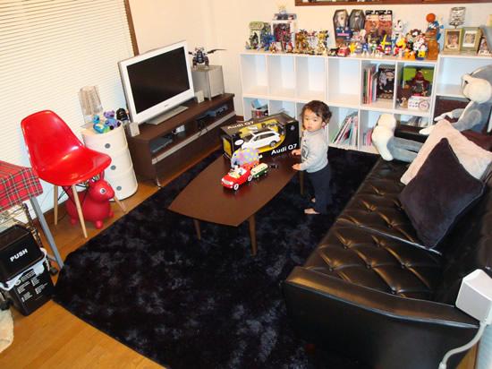 やっぱりカリモク60ロビーチェア3シーターはいいですね。お子様が喜びそうな賑やかさもありながら、引き締まった印象もあります。アクセント的にブランド家具が効いているインテリアだと思います。