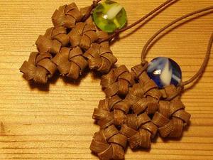 花結びのネックレス♪