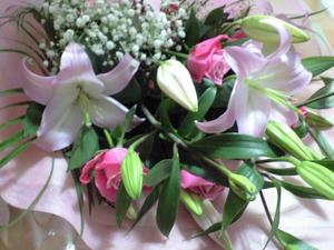 ゆりとバラの花束