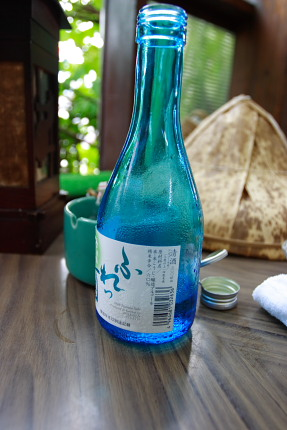 すぐ近くの東根市温泉町のお酒。瓶からして涼しげで蝉の鳴き声と共に昭和の時代へトリップする。