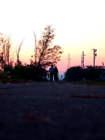 夕焼けの2人。